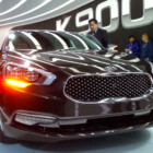 LA Auto Show: Meet the seductive Kia K900